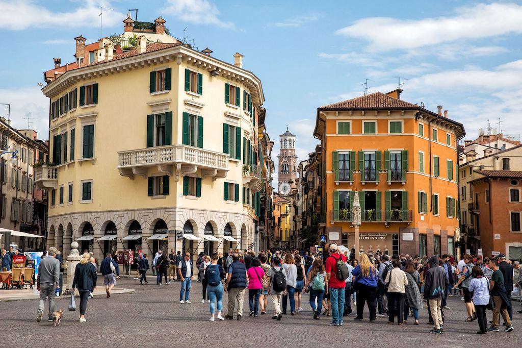 Negozio in locazione a Verona