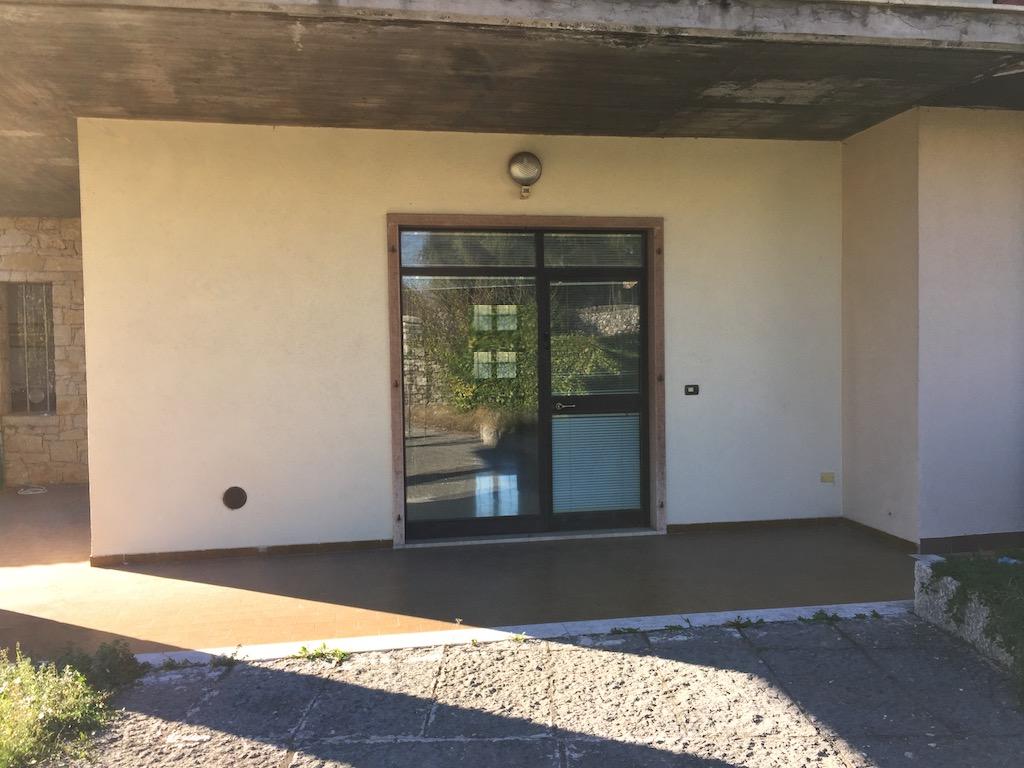 Ufficio in locazione a Cavaion Veronese