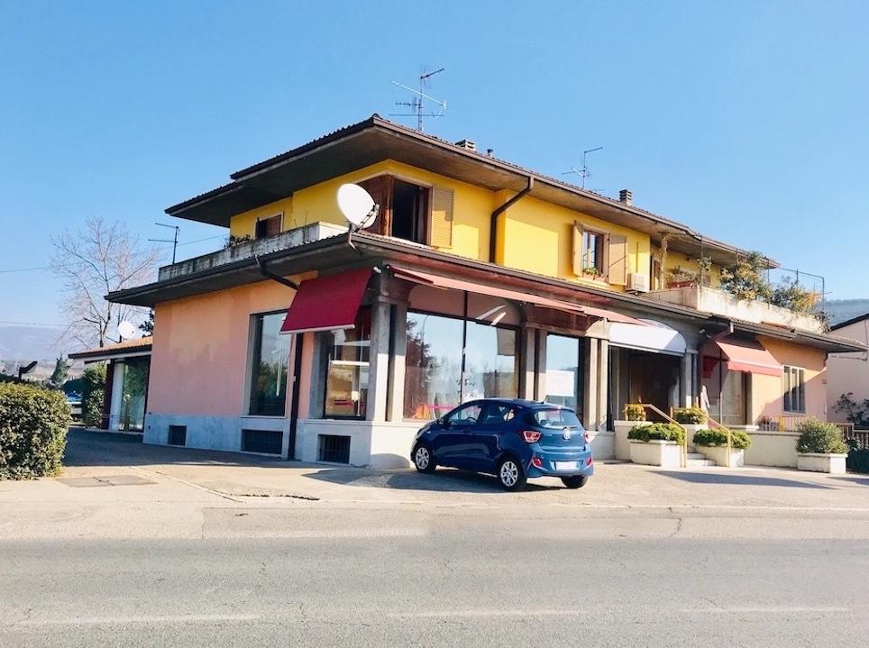 Negozio in locazione a San Pietro In Cariano