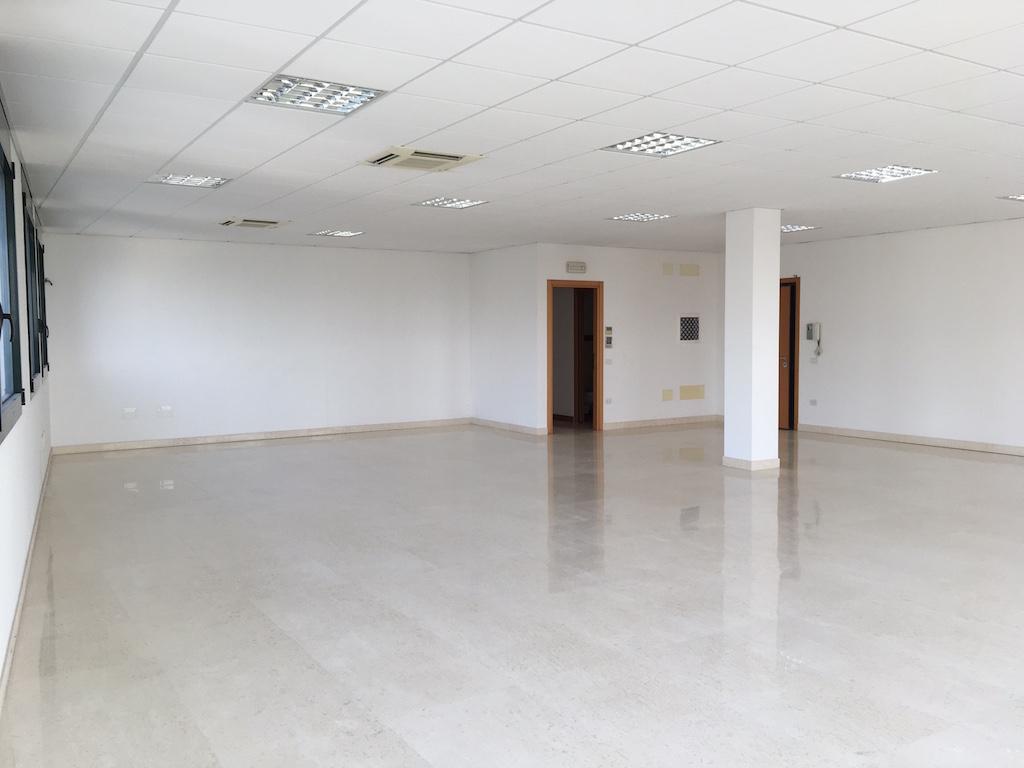 Ufficio in locazione a Caldiero