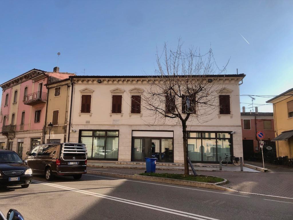 Negozio in vendita a San Martino Buon Albergo